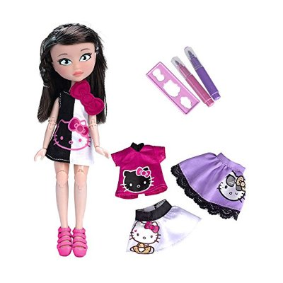 Muñeca Hello Kitty Club Isabella con accesorios